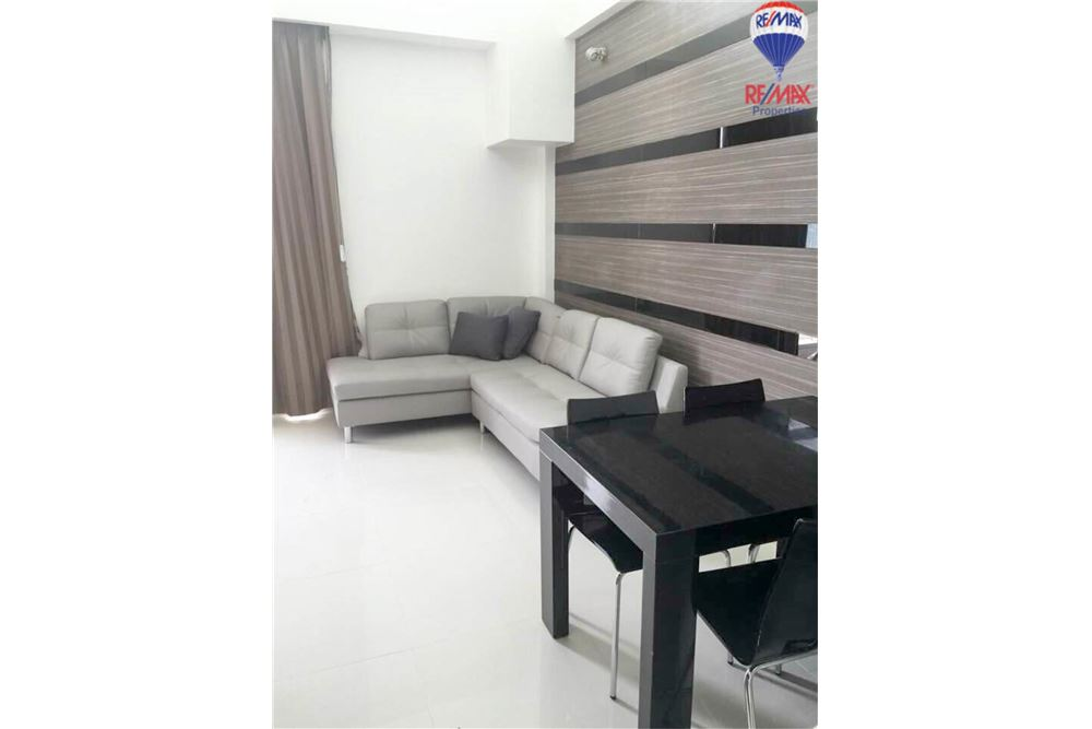 RE/MAX Properties Agency's FOR RENT The Trendy Condominium 2BED 91SQM. 3