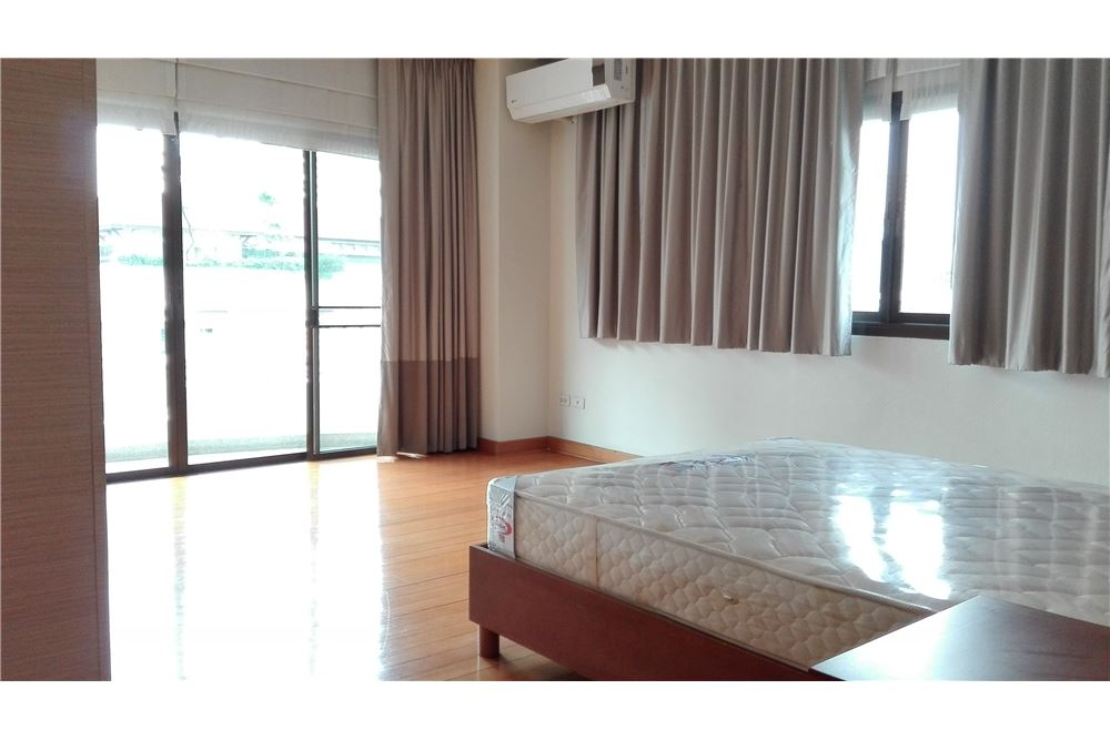 RE/MAX Executive Homes Agency's Lowrise Apartment 3+1 Bed For Rent in Thonglor 6