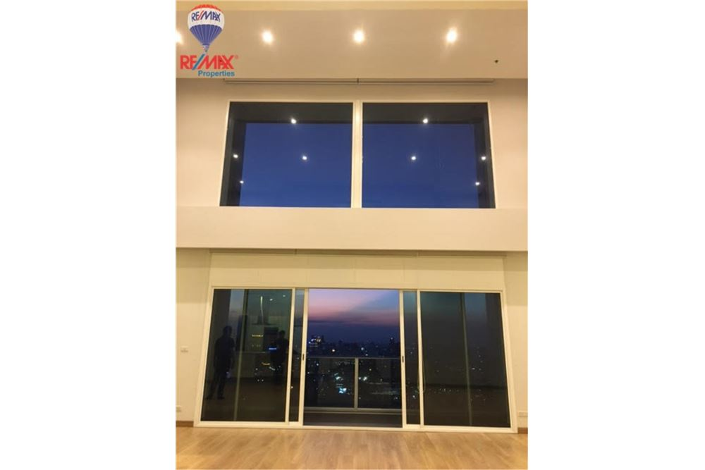 RE/MAX Properties Agency's FOR SALE MILLENNIUM RESIDENCE 313 sqm DUPLEX 6