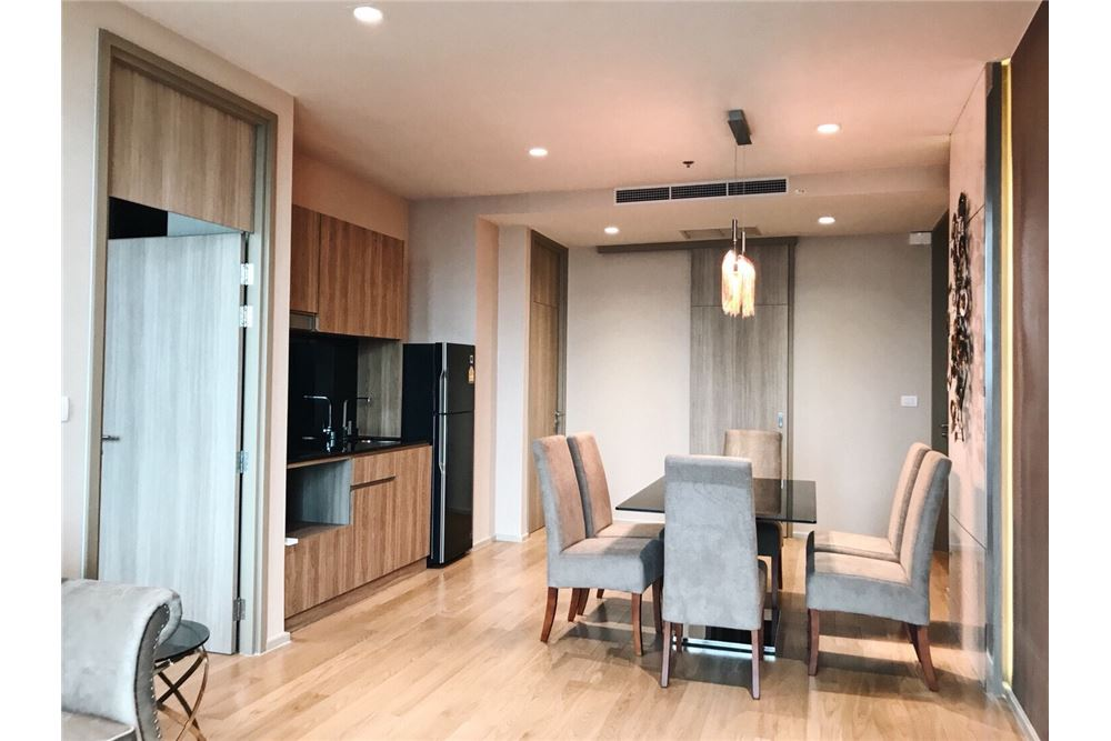 RE/MAX Properties Agency's 2 Beds /82Sqm./100,000/BTS Ploenchit 6