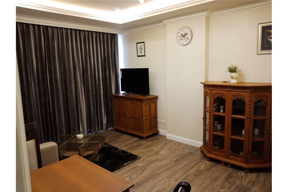 RE/MAX Executive Homes Agency's Nice 1 Bedroom for Rent Noble Ambience Sarasin 5