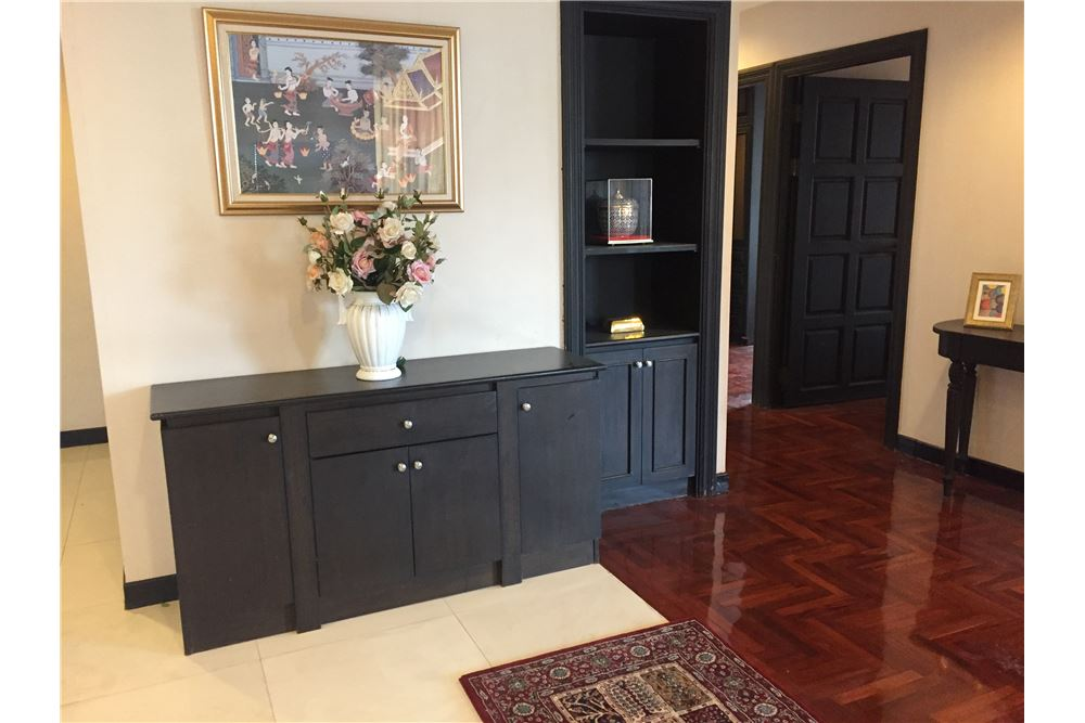 RE/MAX Executive Homes Agency's 2 Bedrooms / For Rent / Lakegreen 2