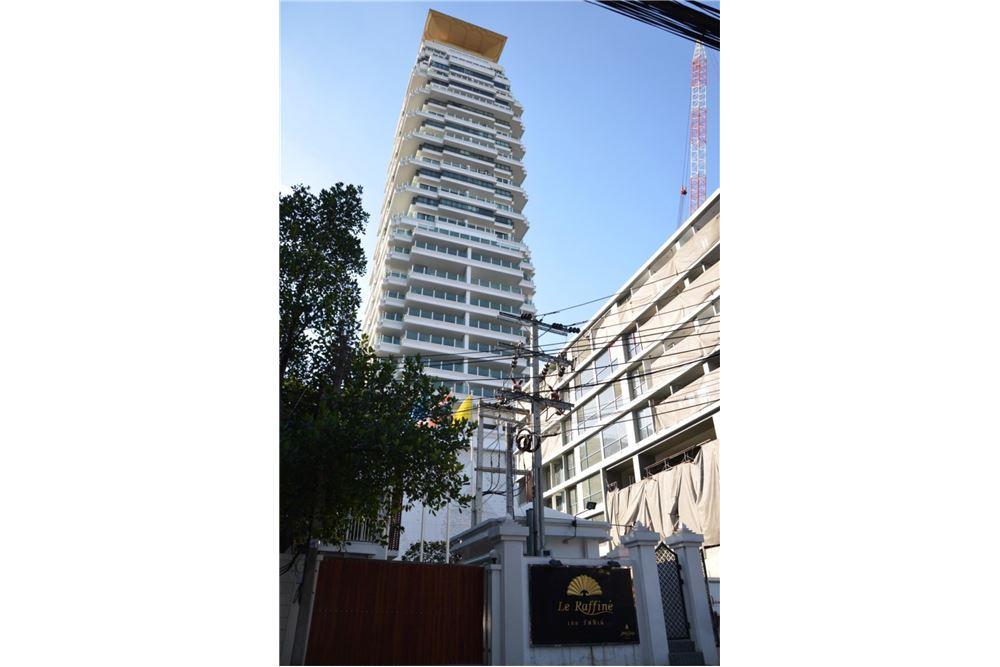 RE/MAX Properties Agency's FOR SALE  LE  RAFFINE SUKHUMVIT 39   2BED 237SQM 24