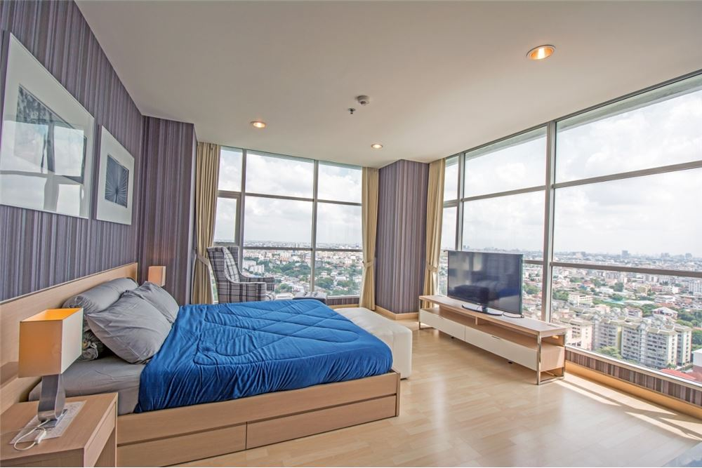 RE/MAX Properties Agency's 2 Beds for rent at Rhythm Ratchada 1