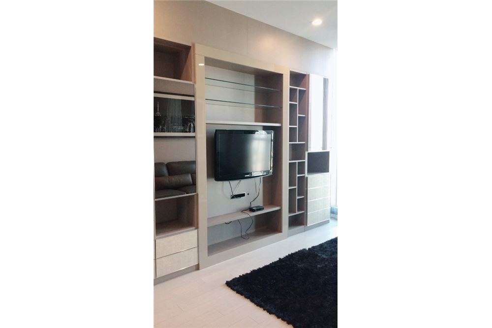 RE/MAX Properties Agency's RENT Noble Ploenchit 2BED 84SQM. 1