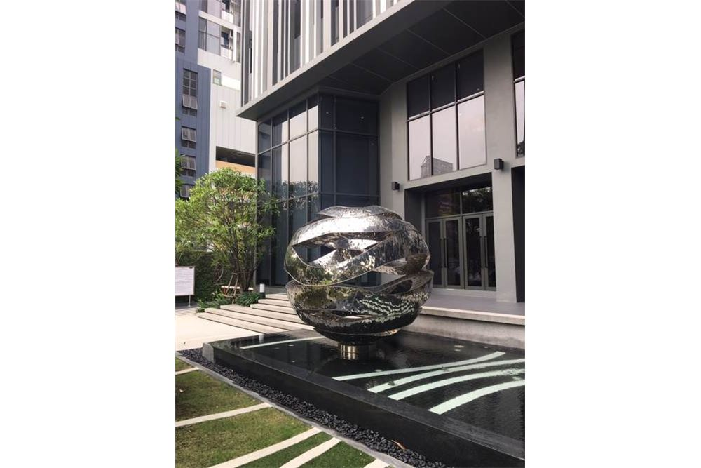RE/MAX Properties Agency's Brand new 1 Bedroom for rent Rhythm Asoke 7
