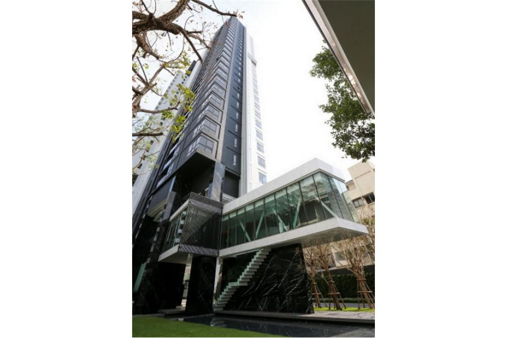 RE/MAX Executive Homes Agency's Lovely 1 Bedroom for Sale with Tenant HQ Thonglor 7