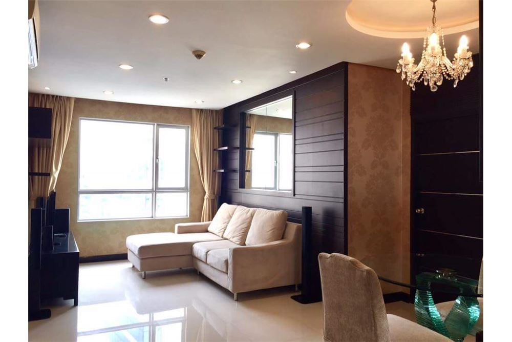 RE/MAX Executive Homes Agency's Spacious 1 Bedroom for Rent Condo One X 2