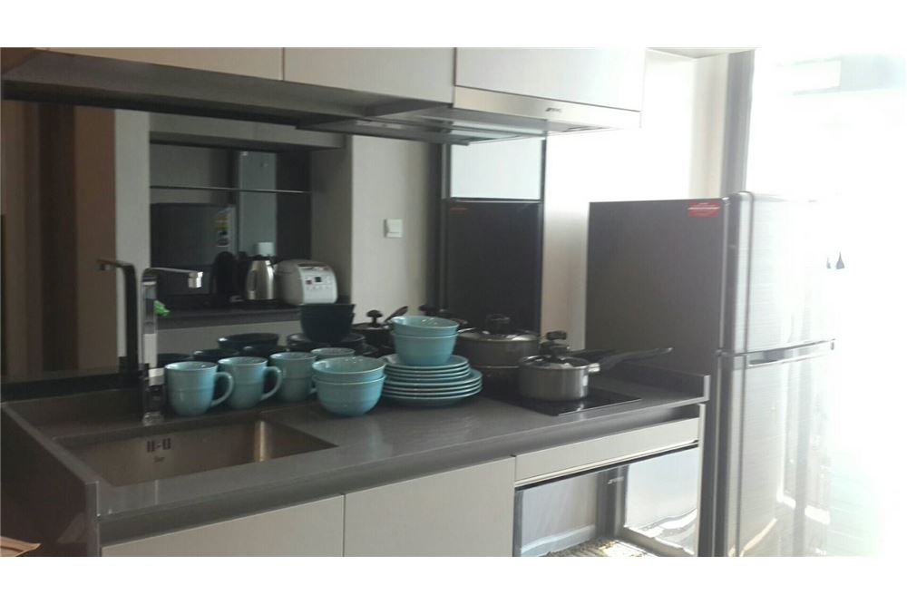 RE/MAX Properties Agency's RENT The Room Sukhumvit 69 1BED 35SQM. 3