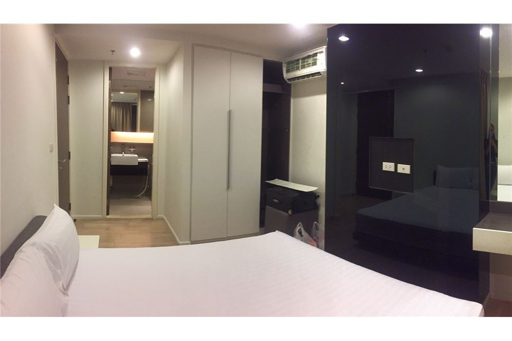 RE/MAX Executive Homes Agency's Spacious 1 Bedroom for Rent 15 Sukhumvit Residence 3