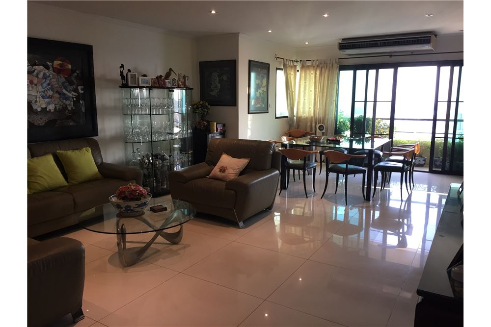 RE/MAX Properties Agency's SALE Sathorn Gardens 3BED 204SQM. 1