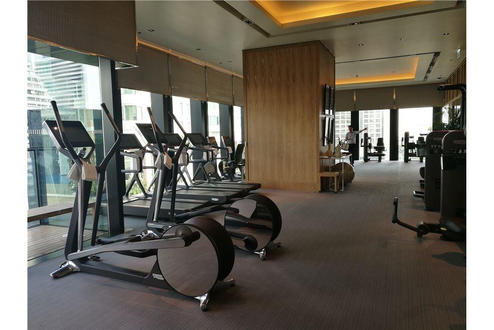 RE/MAX Properties Agency's RENT The Ritz-Carlton Residences at MahaNakhon 11