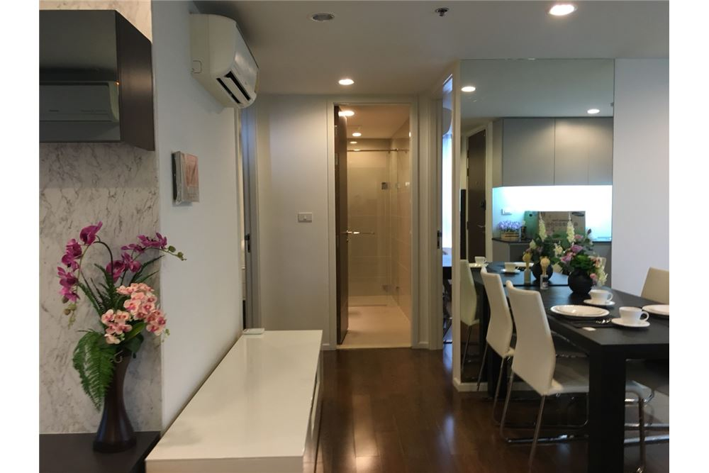 RE/MAX Executive Homes Agency's Nice 2 Bedroom for Sale with Tenant 15 Residences 6