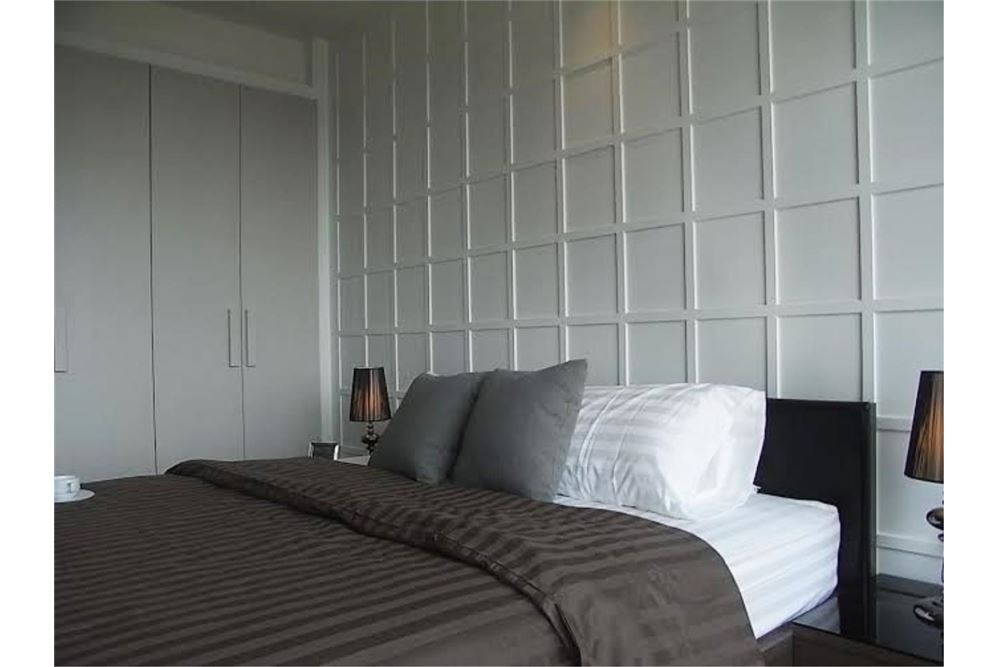 RE/MAX Properties Agency's FOR RENT The Emporio Place 1BED 65.35SQM 6