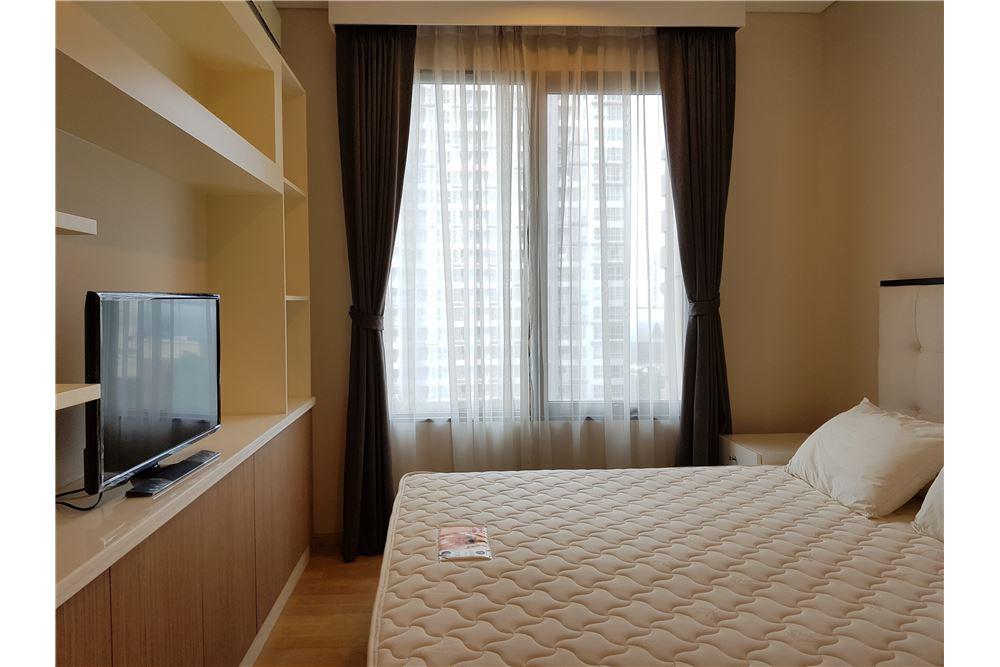 RE/MAX Properties Agency's Villa Asoke 1bedroom 4