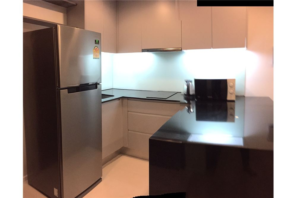 RE/MAX Executive Homes Agency's Spacious 1 Bedroom for Rent 15 Sukhumvit Residence 6