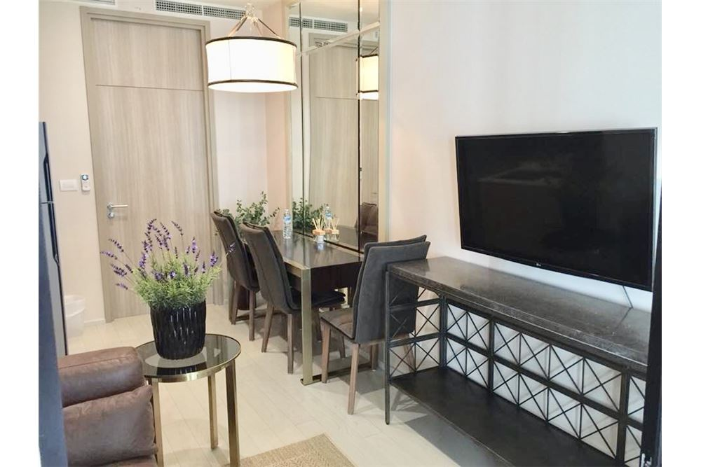 RE/MAX Properties Agency's RENT Noble Ploenchit 1BED 48SQM. 2
