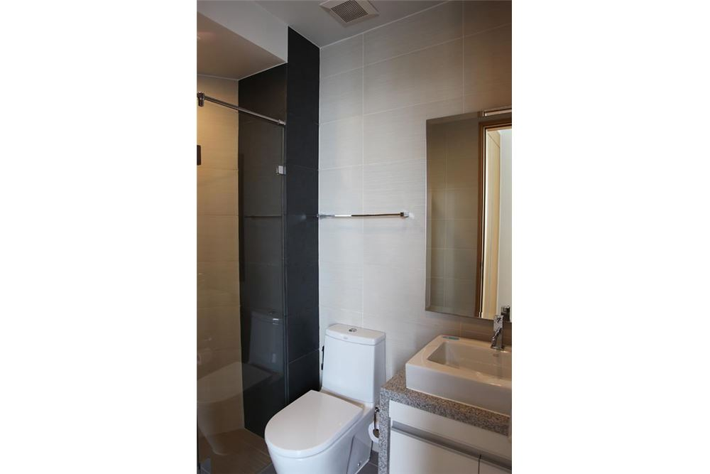RE/MAX Executive Homes Agency's Millennium Residence / 2+1 Bedrooms / For Rent / 4