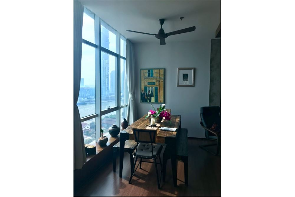 RE/MAX Executive Homes Agency's Beautiful 2 bed riverside apartment. River View. 4
