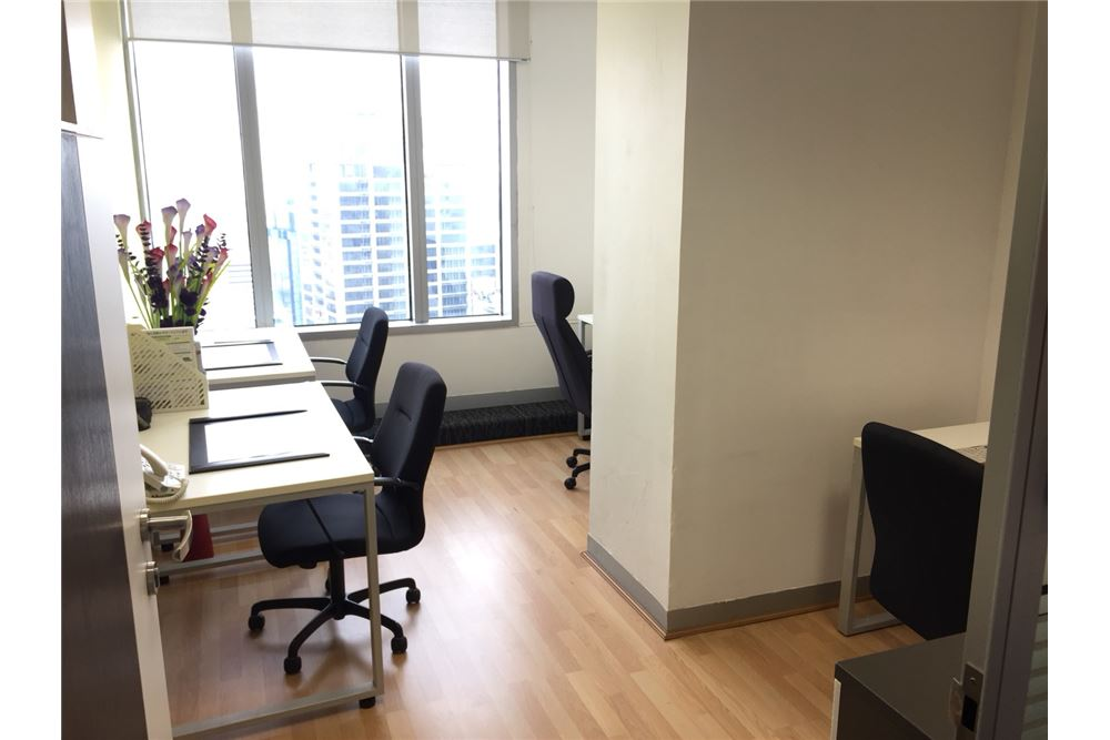 RE/MAX Executive Homes Agency's Serviced Office For rent at Exchange Tower 1