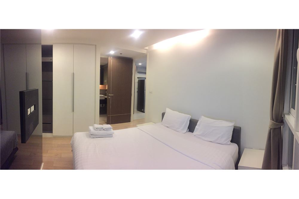 RE/MAX Executive Homes Agency's Spacious 1 Bedroom for Rent 15 Sukhumvit Residence 2
