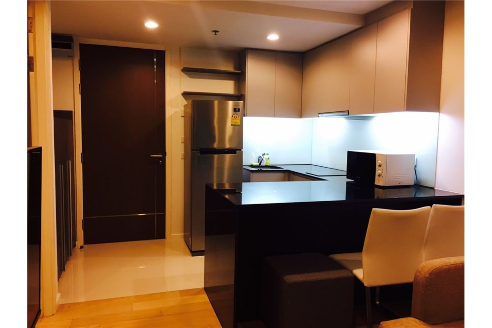 RE/MAX Executive Homes Agency's Spacious 1 Bedroom for Rent 15 Sukhumvit Residence 9