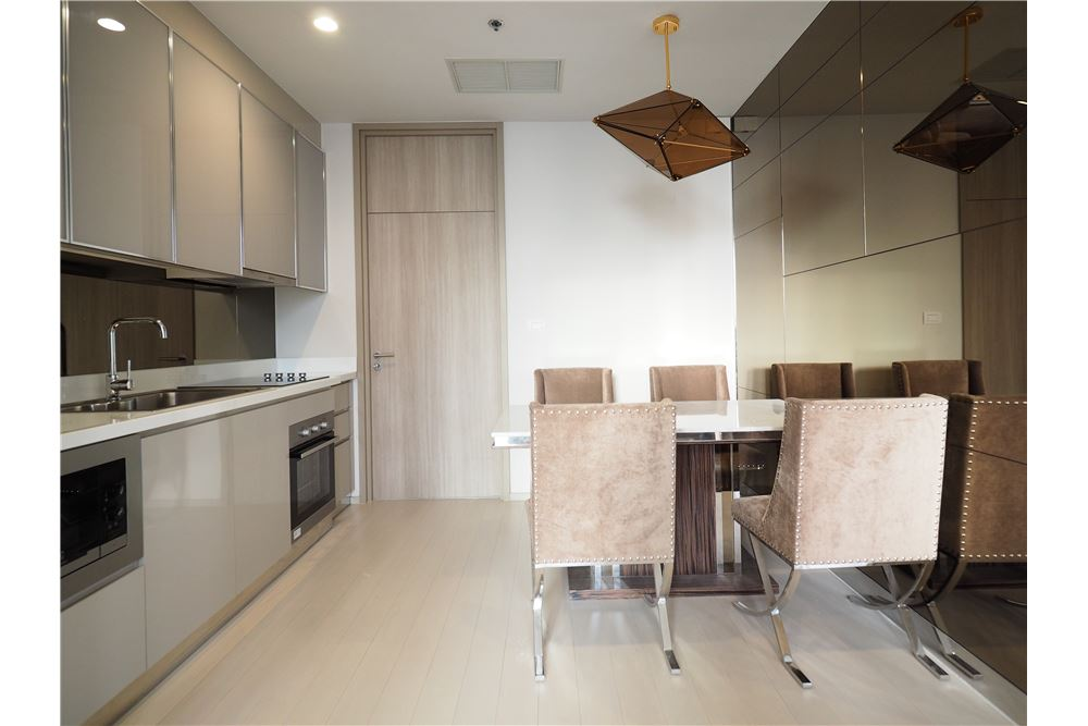 RE/MAX Executive Homes Agency's Spacious 2 Bedroom for Rent Noble Phloenchit 8