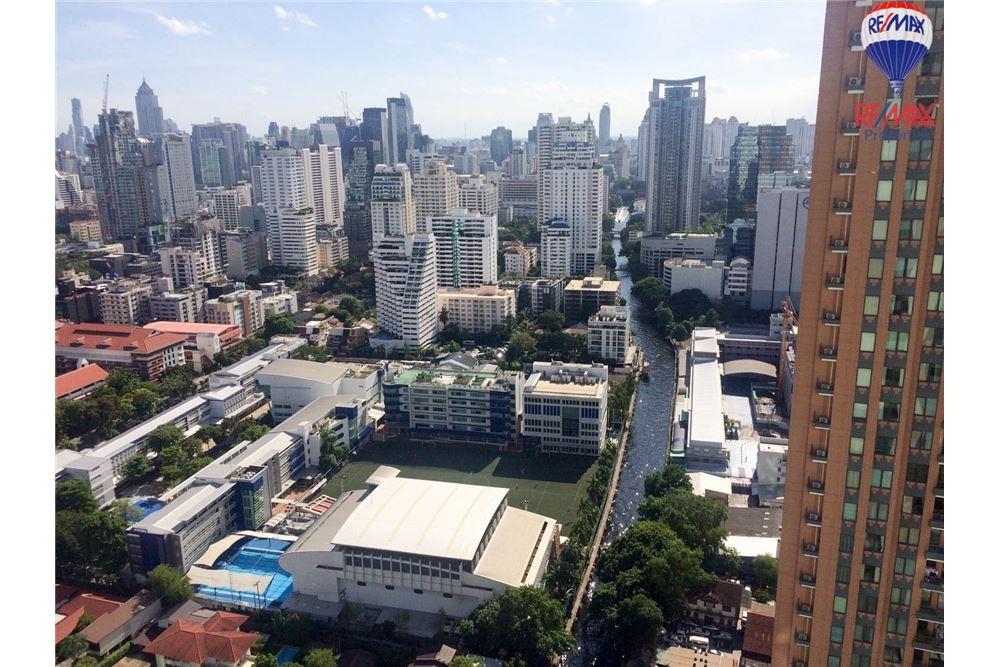RE/MAX Properties Agency's 1 bed for RENTQ Asoke near MRT 17