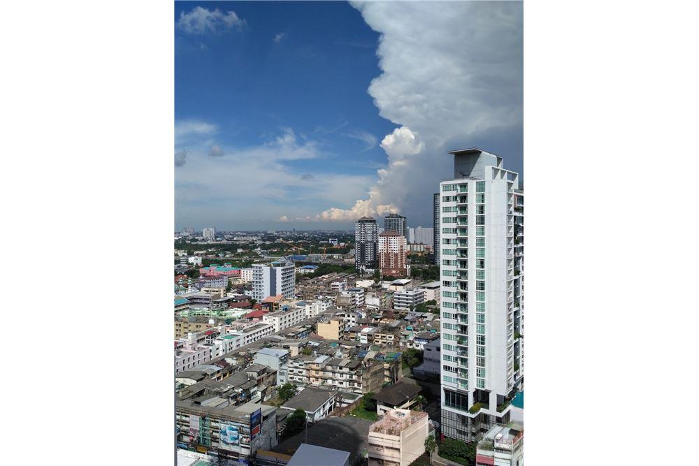 RE/MAX Properties Agency's for sale Skywalk Condominium 10