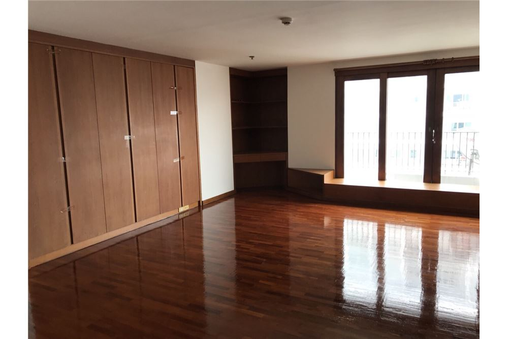 RE/MAX Properties Agency's For Sale ICON 3 Condominium 1BED 61.90SQM. 10
