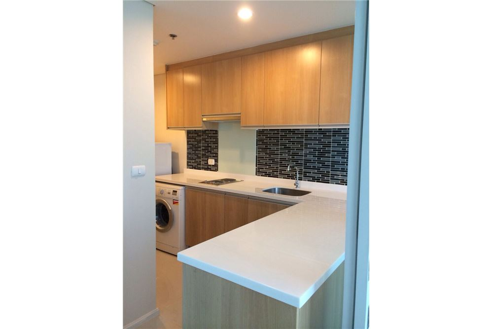 RE/MAX Executive Homes Agency's Nice Duplex 1 Bedroom For Rent Villa Asoke 6