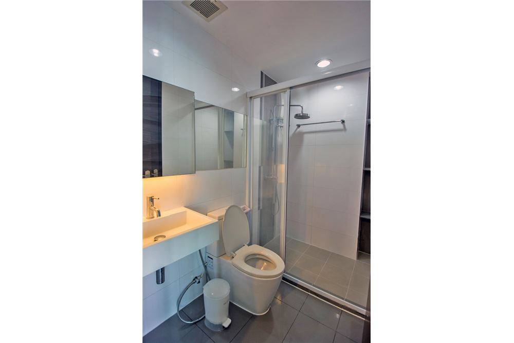 RE/MAX Properties Agency's 2 Beds for rent at Rhythm Ratchada 14