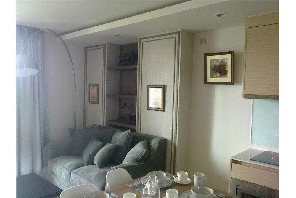 RE/MAX Executive Homes Agency's Spacious 1 Bedroom for Rent Via Botani 47 1