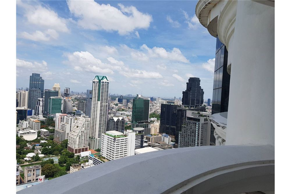 RE/MAX Properties Agency's SALE State Tower 3BED 191SQM. 8