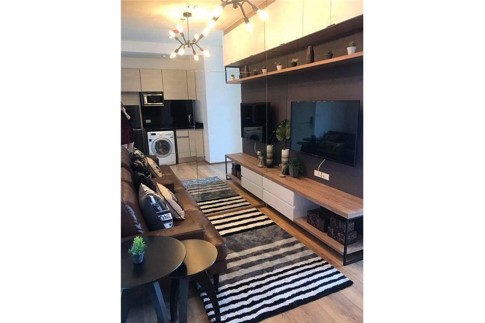RE/MAX Executive Homes Agency's Cozy 1 Bedroom for Rent Park 24 1