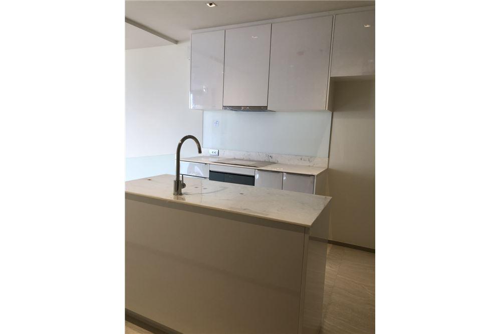 RE/MAX Executive Homes Agency's Nice 2 Bedroom for Sale Ashton Silom 8