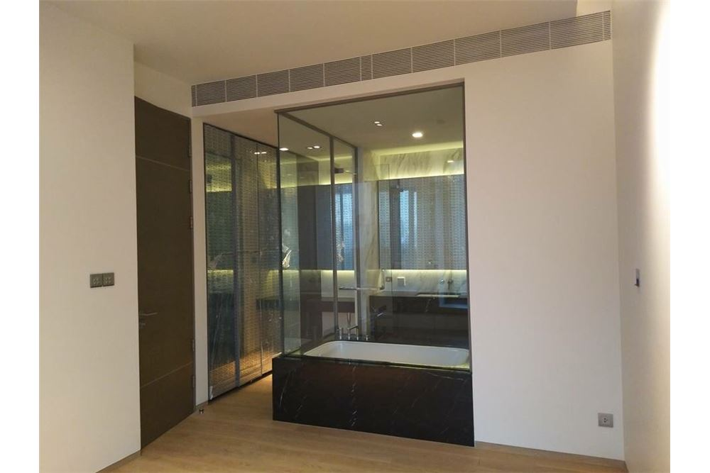 RE/MAX Properties Agency's SALE Saladaeng One 1BED 56.47SQM. 3