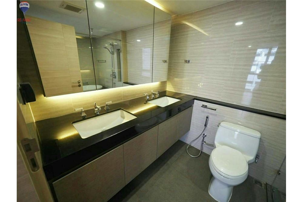 RE/MAX Properties Agency's FOR RENT  KLASS CONDO LANGSUAN  2BED 72.1SQM 12