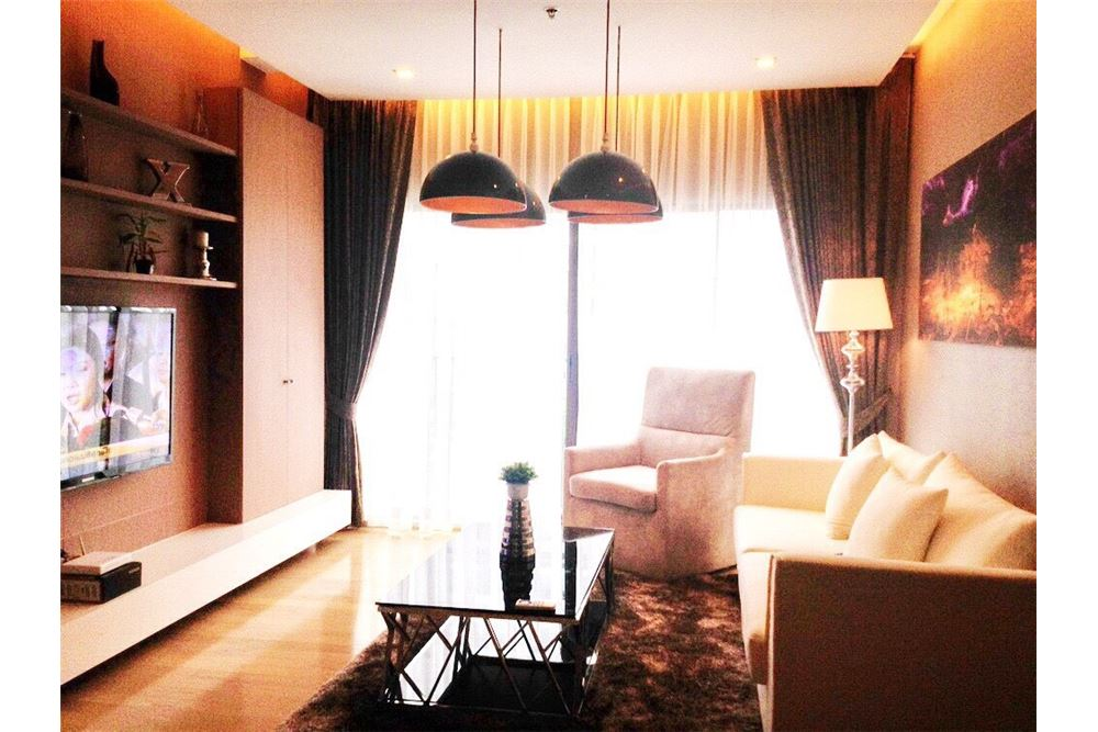 RE/MAX Executive Homes Agency's Beautiful 1 Bedroom for Rent Noble Refine 1