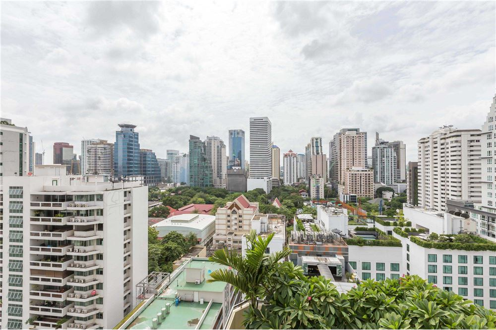 RE/MAX Executive Homes Agency's Sukhumvit Suite / Condo For Rent / 1 Bedroom / 11