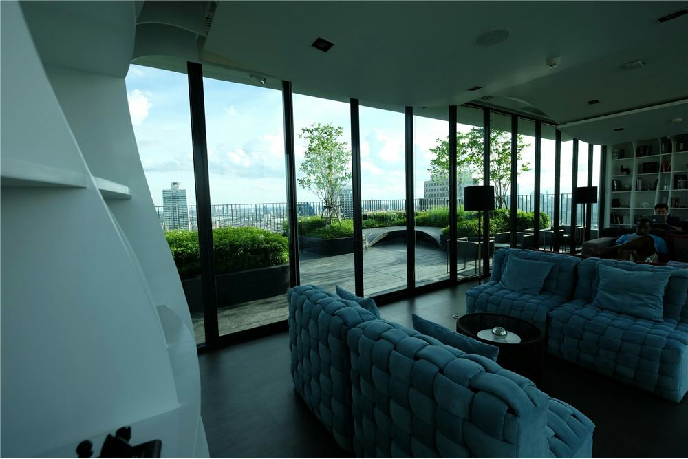 RE/MAX Executive Homes Agency's 1 Bedroom for Sale at Edge Sukhumvit 23 20