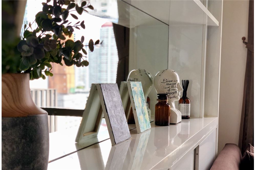 RE/MAX Executive Homes Agency's Stylish 1 Bedroom Duplex for Rent Ashton Morph 38 5