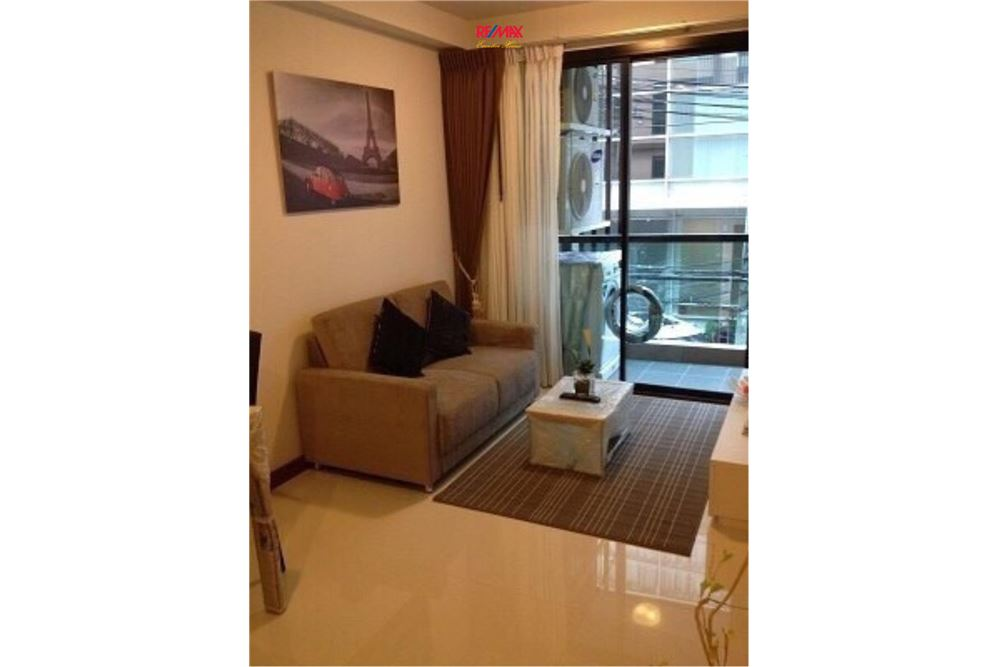 RE/MAX Executive Homes Agency's 1 Bedroom / for Rent / Le Cote Thonglor 1