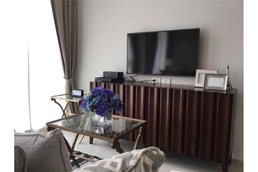 RE/MAX Properties Agency's Noble Ploenchit 1 Bed for rent 45,000 Baht!! 1