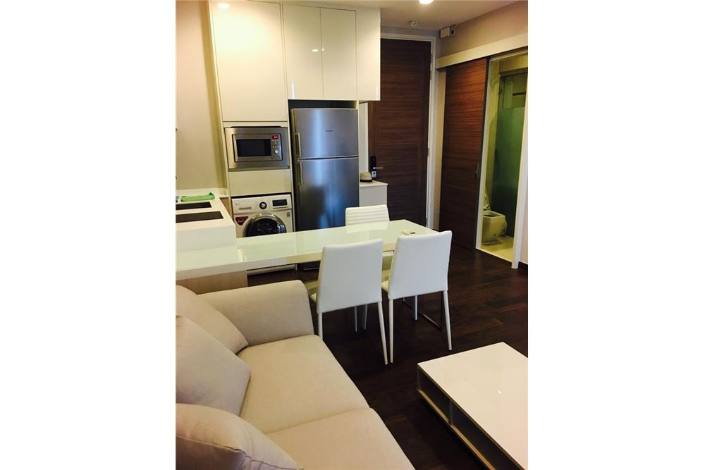 RE/MAX Executive Homes Agency's Q Asoke for Sale/Rent - 50m to MRT Petchaburi 7