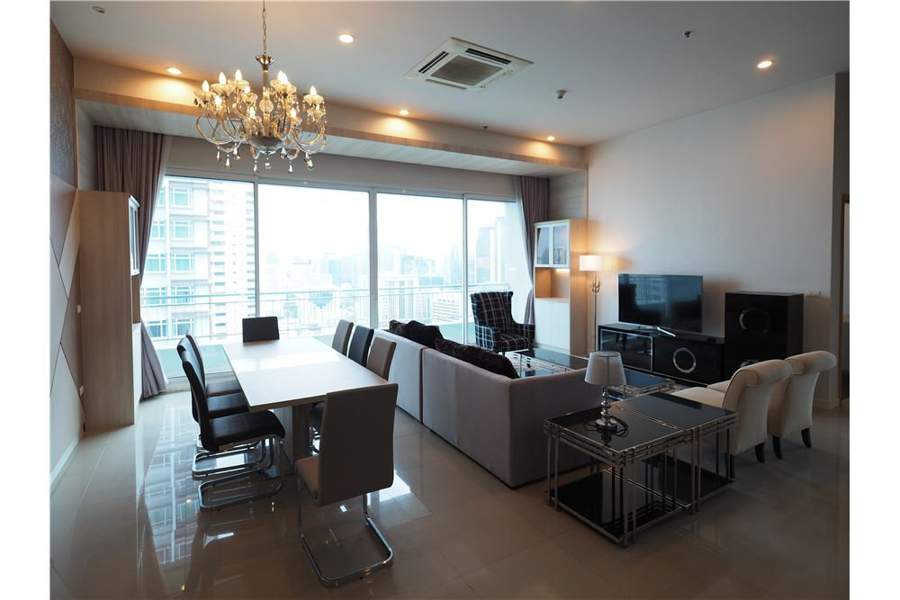 RE/MAX Properties Agency's RENT Circle Condominium 3BED 176.09SQM. 2