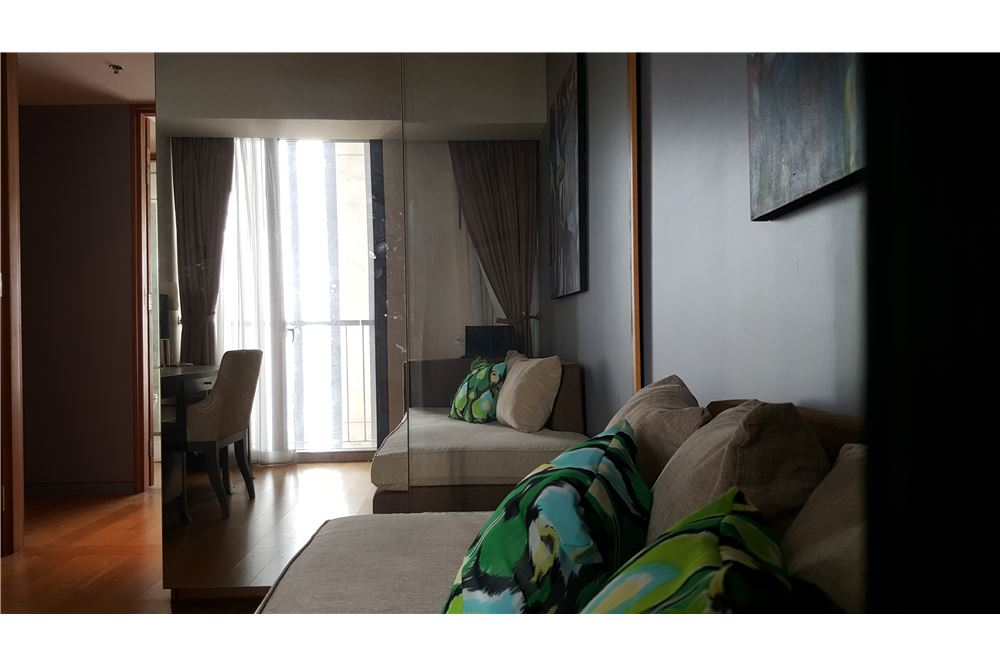 RE/MAX Executive Homes Agency's Spacious 3 Bedroom for Rent The Met 3