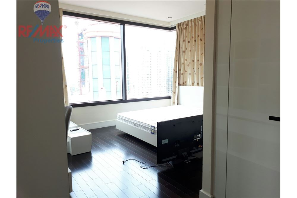 RE/MAX Properties Agency's RENT 3 Bedroom 150 Sq.m at Aguston Sukhumvit 22 3