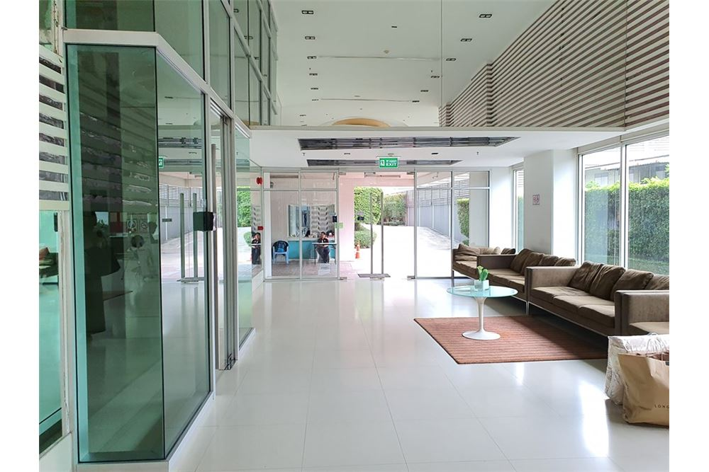 RE/MAX Executive Homes Agency's For Sale​ Life ratchada - huaykwang 45