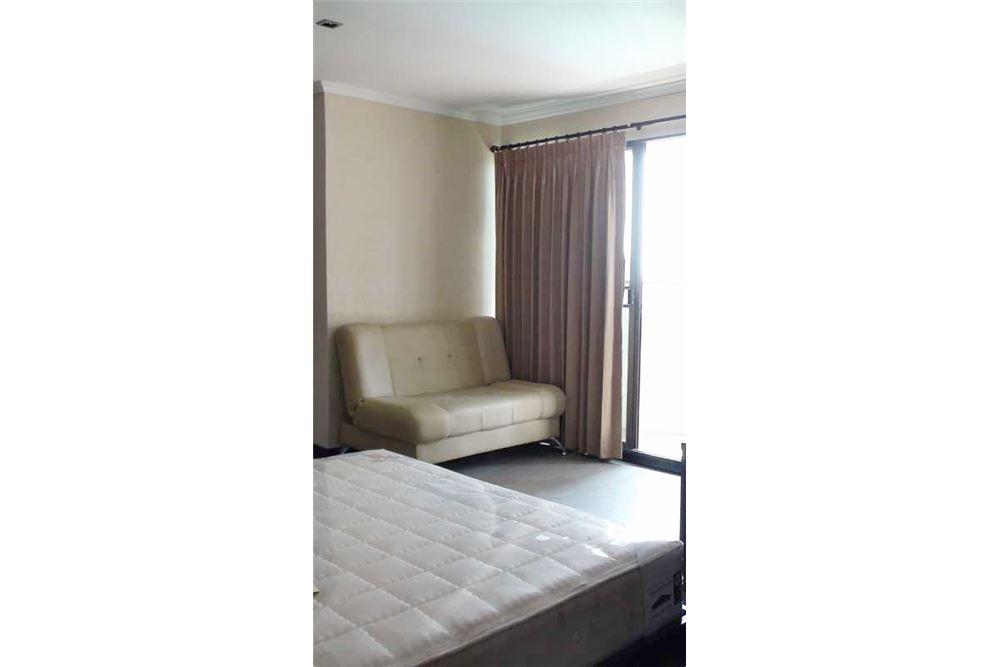 RE/MAX Properties Agency's Floraville Condominium Suite 303 sq.m., 9.5 MB 10